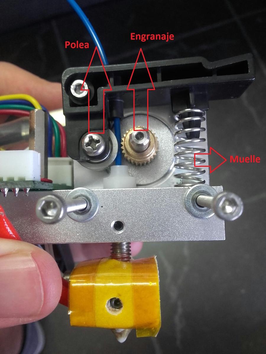 impresora extruye filamento insuficiente 3